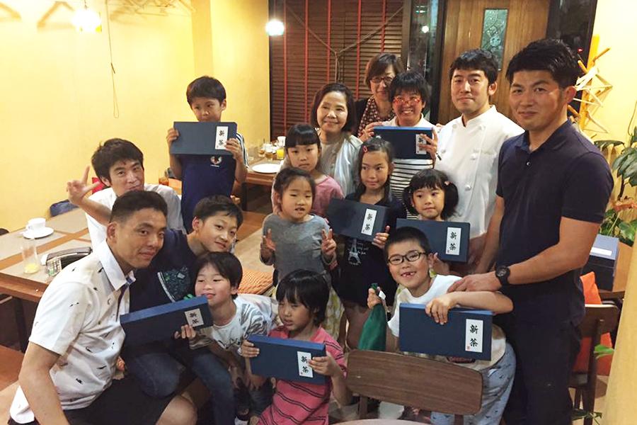 『子ども食堂』に参加した子どもたちの集合写真