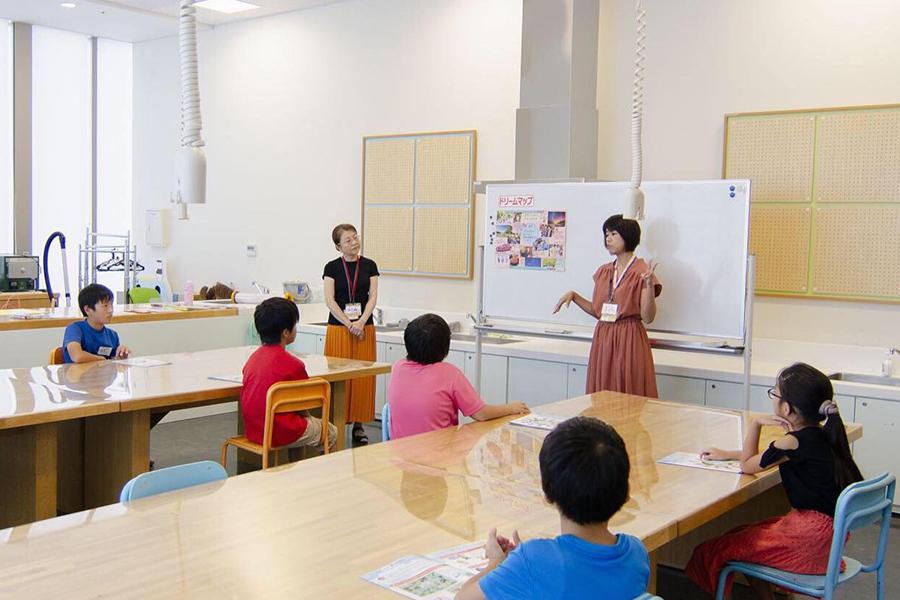 『静岡市こどもクリエイティブタウン「ま・あ・る」さん』でのドリームマップ®︎講座の様子